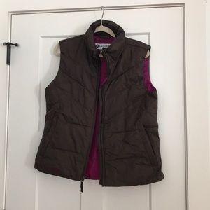 Jackets & Blazers - Columbia down vest